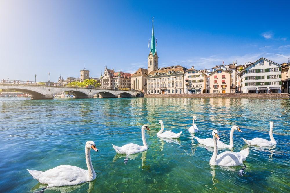 """Thụy Sĩ có vị trí đắc địa ngay """"trái tim"""" của châu Âu sầm uất"""